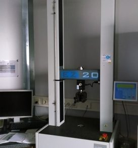 Lot 87: Tensile testing machine