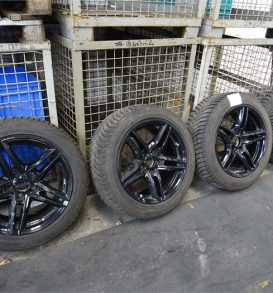 1 set of Winter Tyres 225 x 50 R17, black allow wheels
