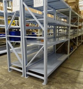 119: Cross-member shelving system