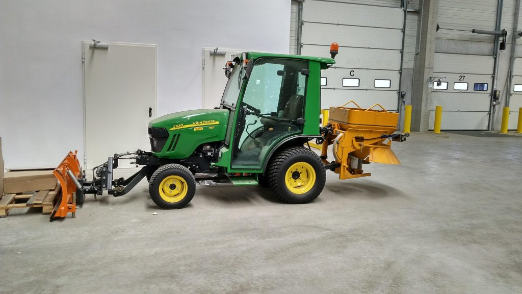 23: Utility tractor